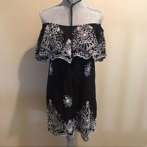 Dresses & Skirts - Boho off the shoulder embroidered dress